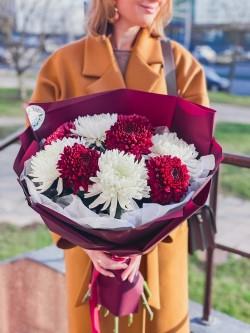 Какой букет подарить начальнице: советы по выбору цветов