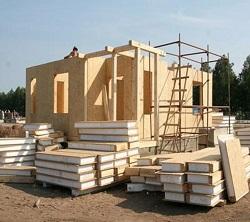 Как построить дом из SIP панелей: преимущества материала и особенности работы с ним