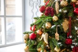 Советы по приобретению искусственной елки: как выбрать дерево, которое походило бы на настоящее