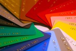 Как осуществляется изготовление пластиковых карт: особенности процесса