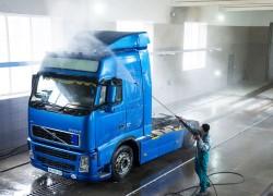 Как осуществляется мойка грузовых автомобилей: особенности процесса