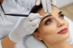 Особенности перманентного макияжа: каким требованиям он должен соответствовать