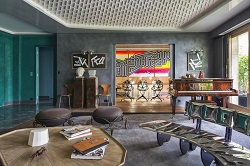 Интерьер гостиной в стиле постмодернизм: основные черты и советы по выбору мебели