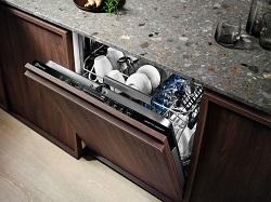 Особенности процесса установки посудомоечной машины: правила и последовательность действий при выполнении работ