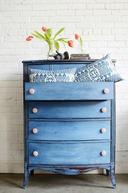 Реставрация старой деревянной мебели: действенные способы и полезные советы