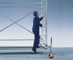 Требования к строительным вышкам и особенности их выбора: на что обратить внимание