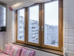 Какими достоинствами обладают трехстворчатые окна и как производится их монтаж