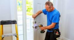 Технология установки входных дверей и правила, которых необходимо придерживаться в процессе