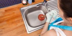 Правила устранения засора в раковине: что для этого потребуется